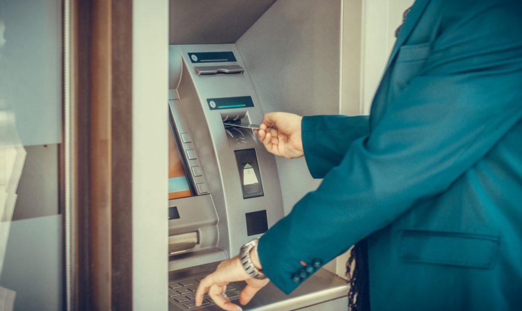 comisiones en el uso de cajeros automáticos
